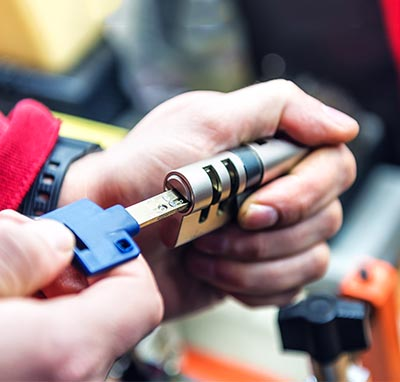 what to ask a locksmith
